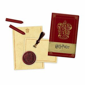 Gryffindor Deluxe Stationery Set (Gryffindor Deluxe Stationery Set)