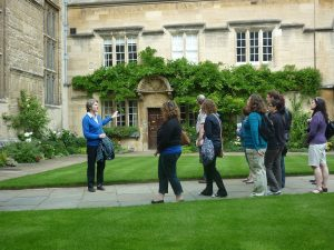 Official Guided Walking Tour of Oxford©VisitOxfordshire