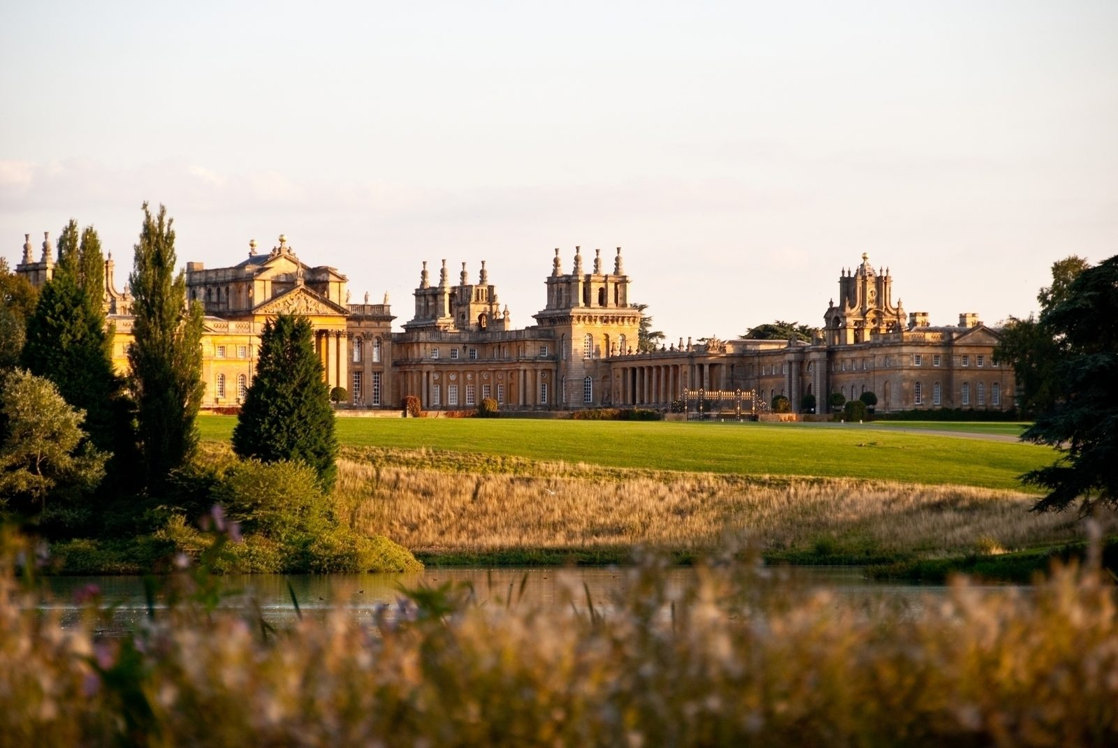 blenheim dating Situated in the grounds of blenheim palace, this leading three star horse trials attracts some of the worlds' best event horses and riders.