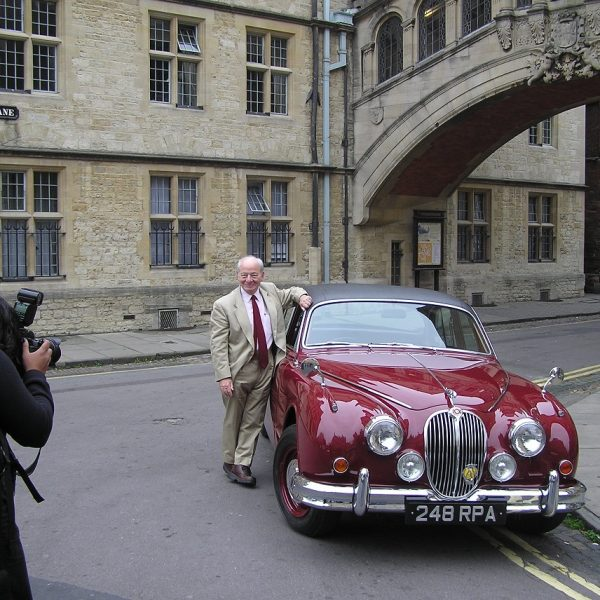 colin-dexter-with-morse-car